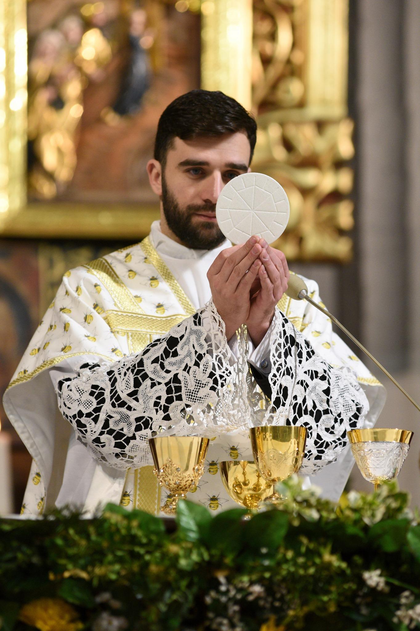 Miniatura per l'articolo intitolato:Accogliamo don Marcin Sternal, nuovo cappellano